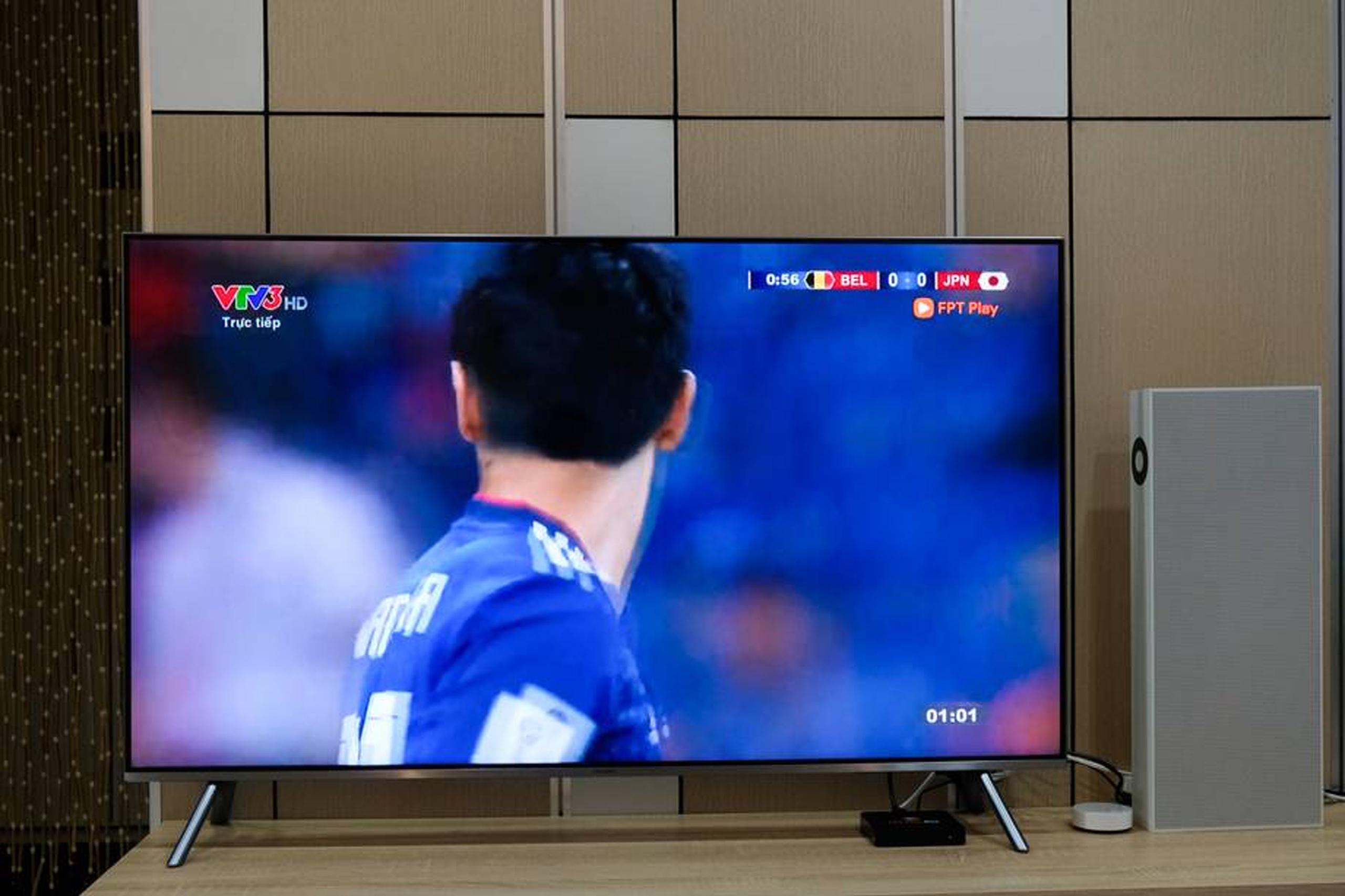 hiện tượng tivi sony bị đốm trắng màn hình sony-vietnam.com